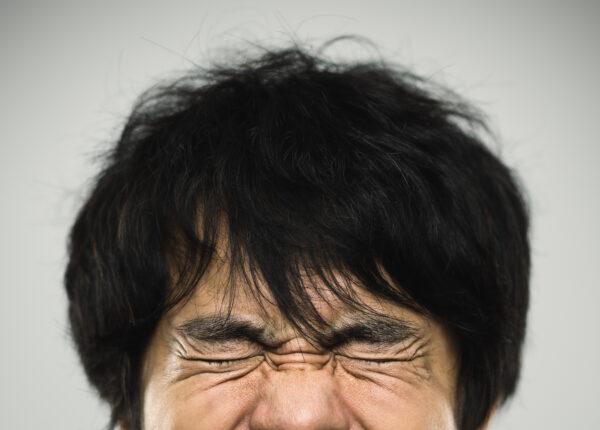 メンズ脱毛の痛みはどのくらい?痛い部位と脱毛方法は?